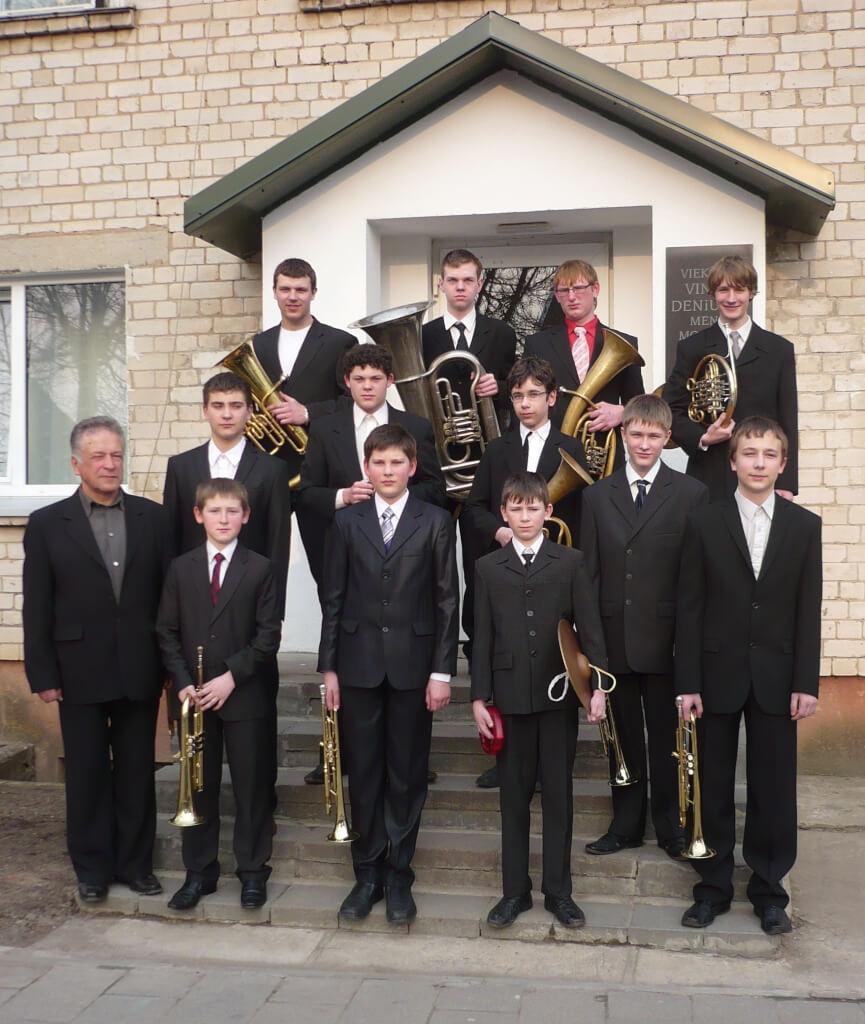 Mažeikių r. Viekšnių Vinco Deniušio meno mokyklos pučiamųjų instrumentų orkestras