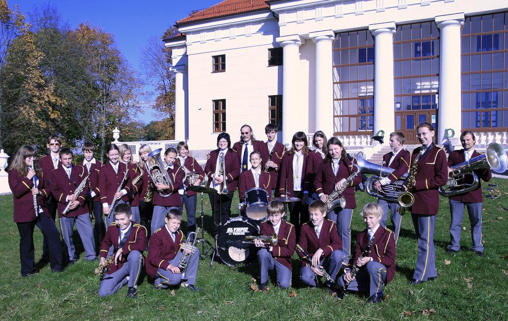 """Pakruojo kultūros centro jaunimo pučiamųjų orkestras """"Viestartas"""""""