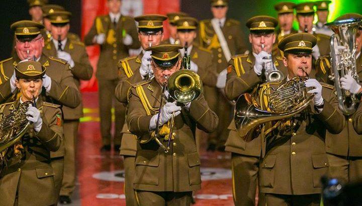 Lietuvos kariuomenes orkestras.Defile